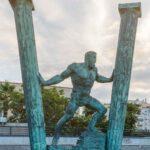Escultura de las columnas y Hércules en bronce