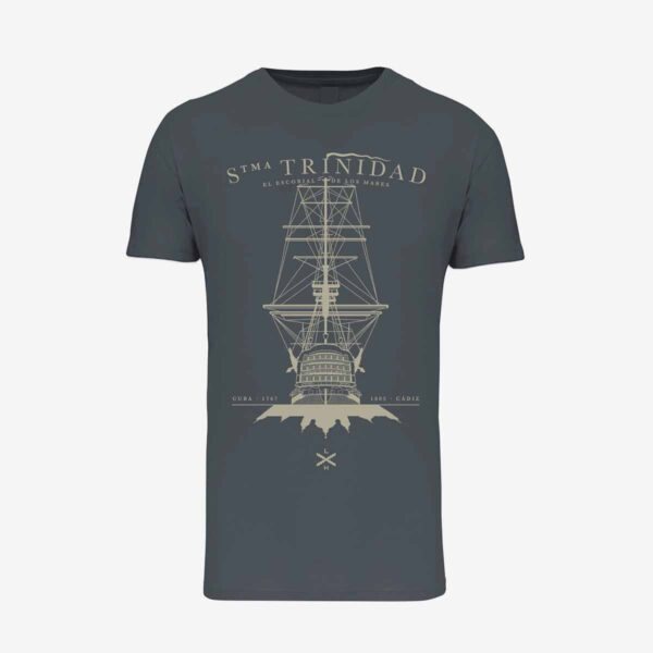 Camiseta gris de Legado Hispánico homenaje al navío Santísima Trinidad
