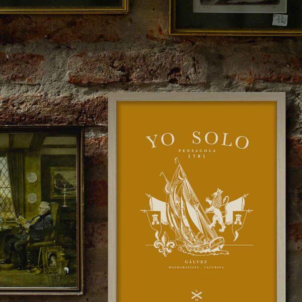 """Lámina """"Yo solo"""" de Legado Hispánico enmarcada en la pared"""